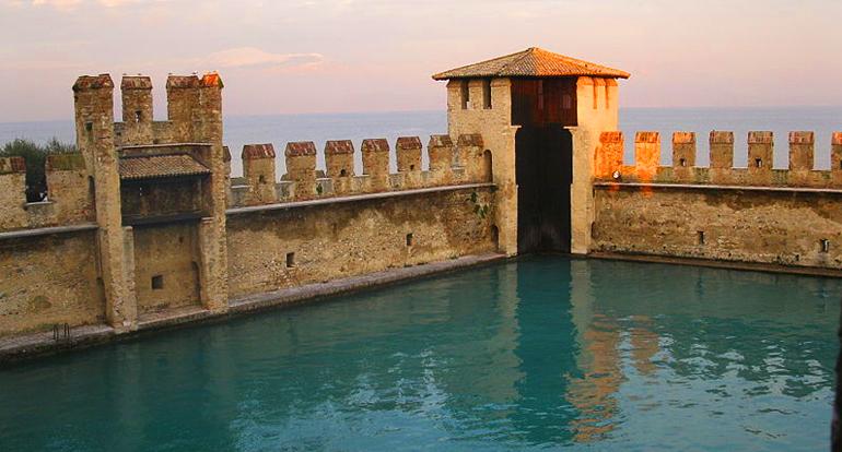 Peschiera del Garda Alloggio - Bardolino alloggio - alloggio Dimora Elena vicino Lago di Garda